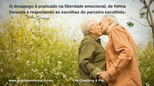 O desapego é praticado na liberdade emocional, de forma honesta e respeitando as escolhas do parceiro escolhido.